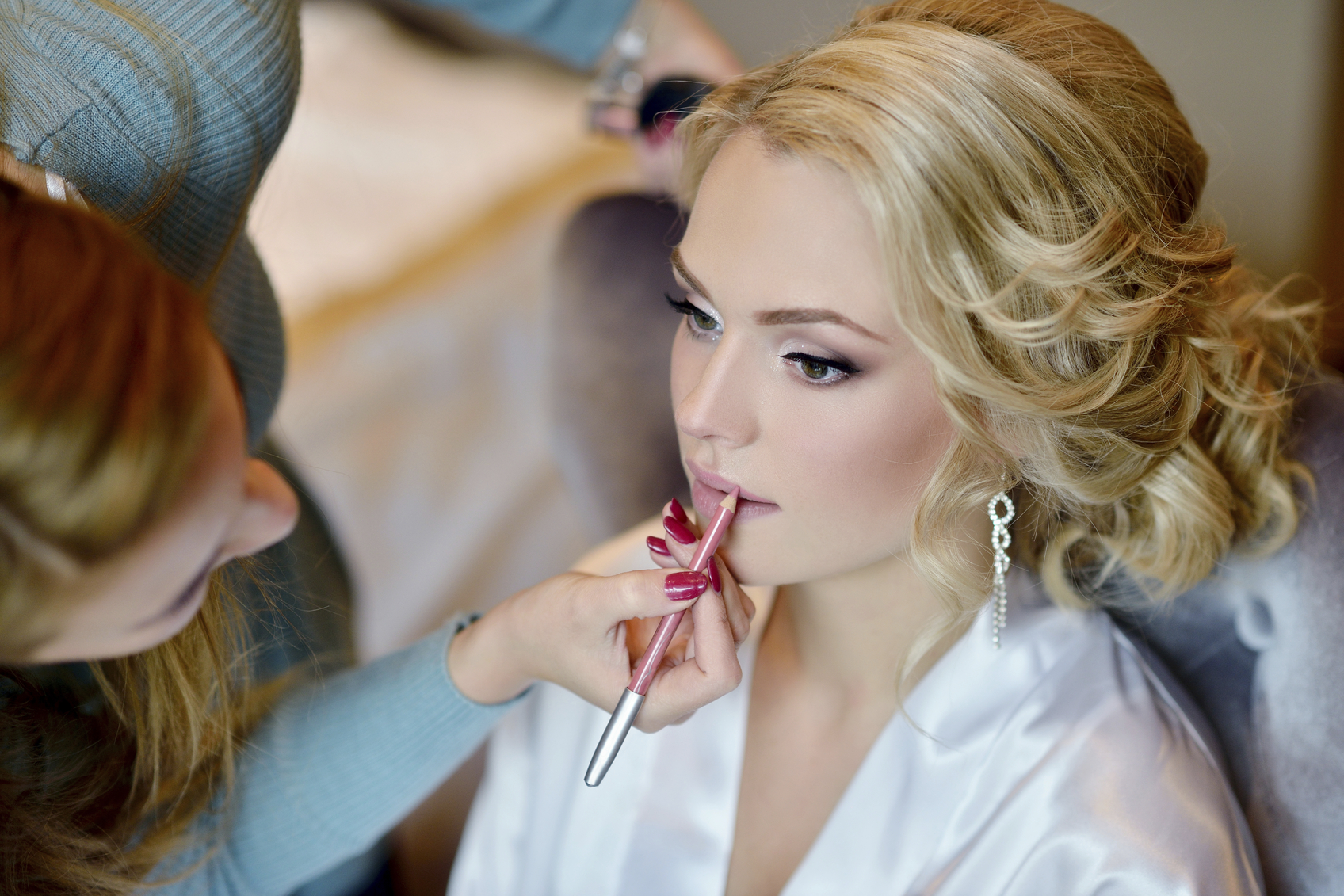 Reasons To Hire A Professional Hair And Makeup Artist For